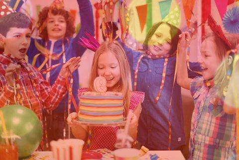 دانلود ۱۰ آهنگ تولد شاد برای دختر از خواننده های معروف