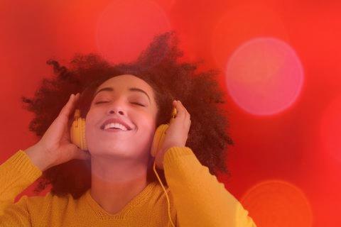 دانلود ۳۶ اهنگ شاد جدید از خواننده های معروف