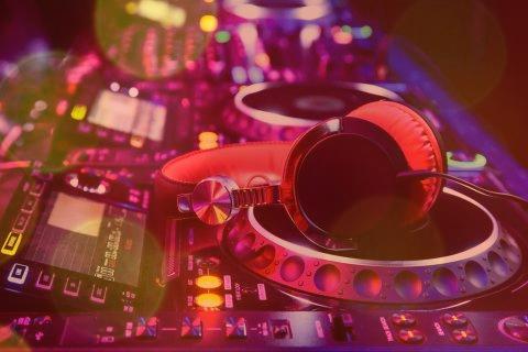آهنگ الکترونیک معروف ایرانی
